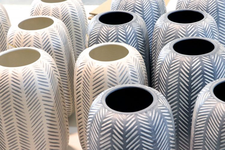 Ceramic vs porcelain production