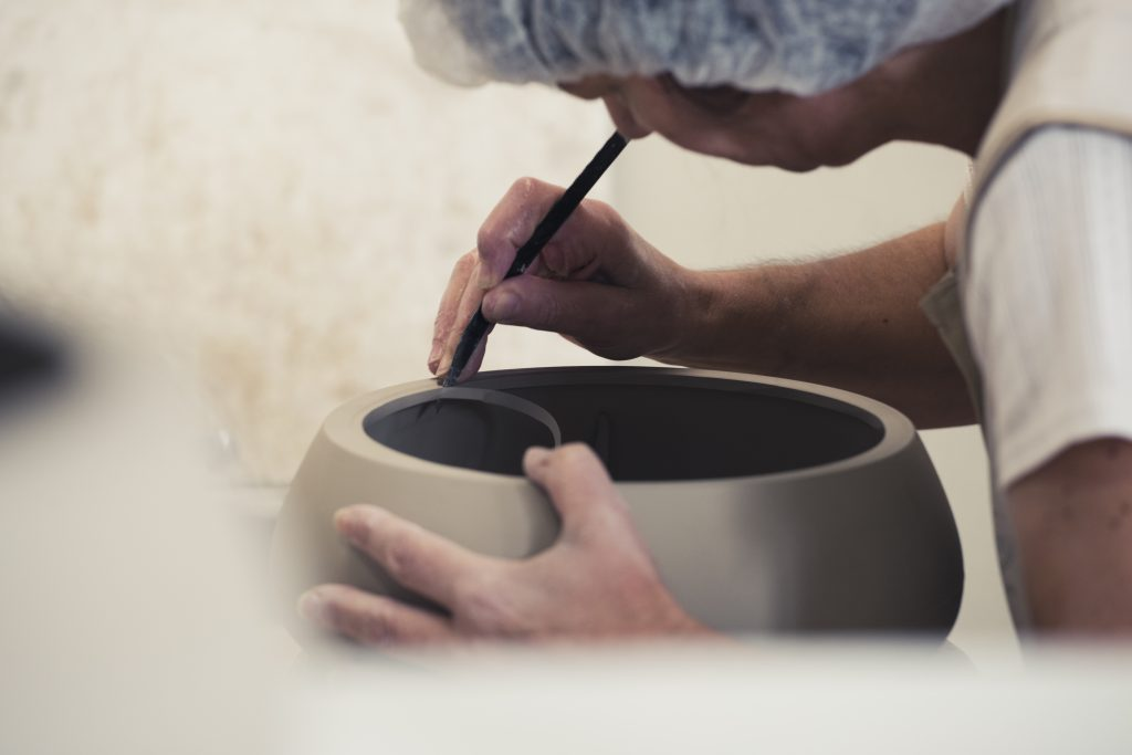 burnishing pottery